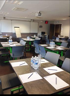 Centro de formación euromediterráneo para profesiones asistenciales - sala de reuniones