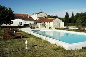 Domaine de la Laigne - Piscina