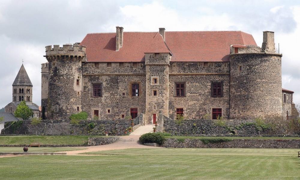 Castello reale di Saint Saturnin - facciata