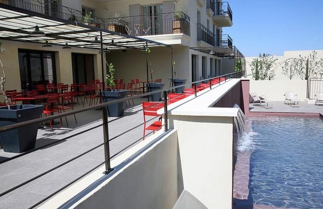 Distillerie de p zenas salle s minaire beziers 34 - Pezenas piscine ...