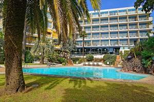 Holiday Inn Cannes - Piscina