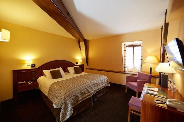 Le Montrachet - Village room