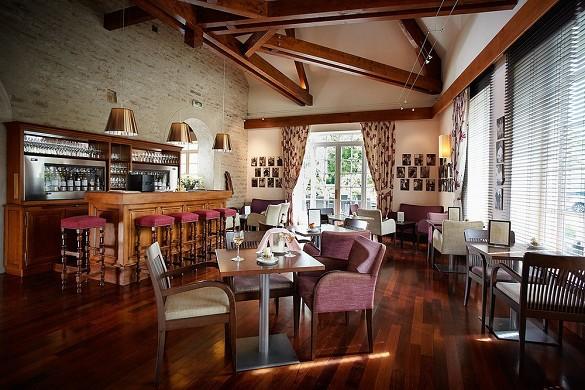 Le Montrachet - wine bar