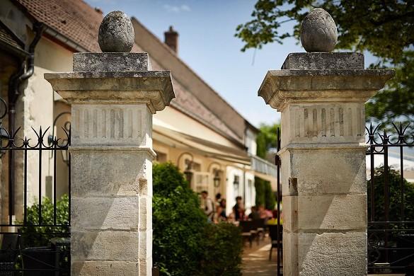 Le Montrachet - Terrace