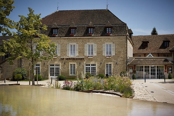 Le Montrachet - outside the place