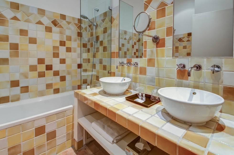 Hotellerie du couvent royal salle s minaire toulon for Salle de bain royan