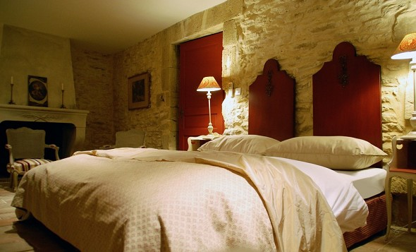Domaine des escaunes - charming rooms, all different! here terret, superior room.