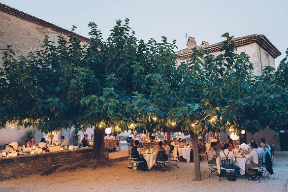 Domaine des escaunes - the courtyard of the estate also houses all your meals