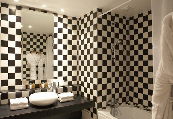 Grand Hotel Tonic Biarritz - bathroom