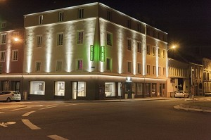 Brit Hotel Mâcon Center Gare - By night