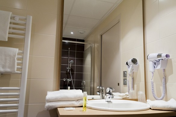 Brit hotel mâcon centre gare - baño