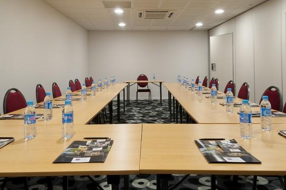 Brit hotel mâcon centre gare - sala de seminarios en forma de u