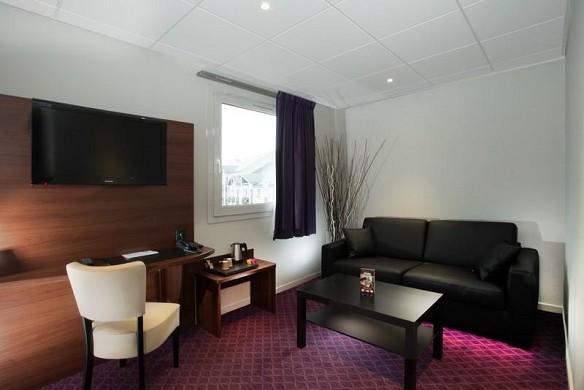 Brit Hotel Tours Sud - Geschäftsraum