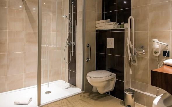 Brit Hotel Süden Türme - Badezimmer