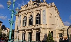 Theater von Chatel-Guyon - Front