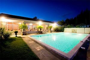 Blanche Fleur - Pool