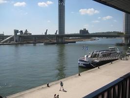 View Seine - outside view