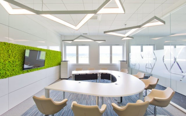 Center business services - equipped conference room