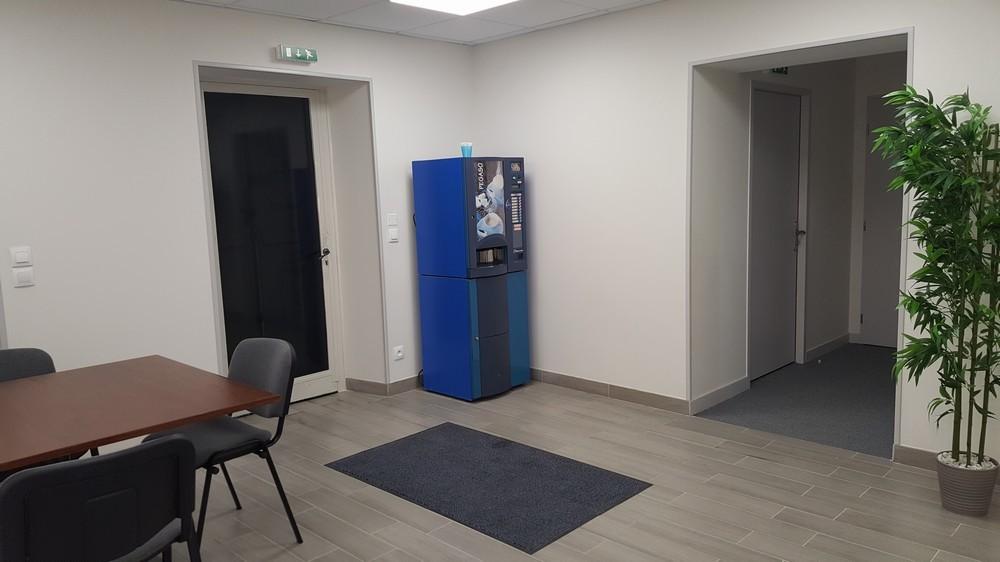 Center business services - interior