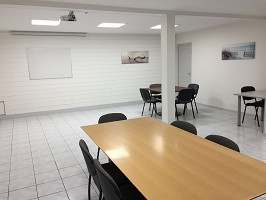 Business Services Center - sala riunioni completamente attrezzata