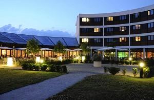 Hotel Archamps Technopole - Hotel Aussenansicht