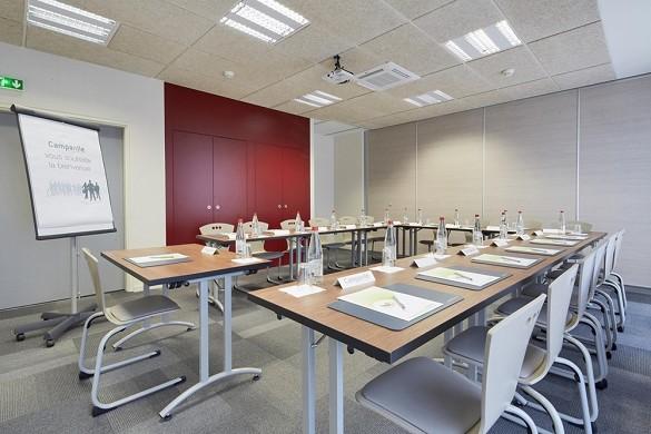 Campanile Annemasse station center - meeting room