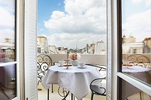 Trianon Rive Gauche - Room View