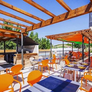 Adonis aix-en-provence - terrace / restaurant