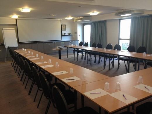 Adonis Aix-en-Provence - sala de reuniones