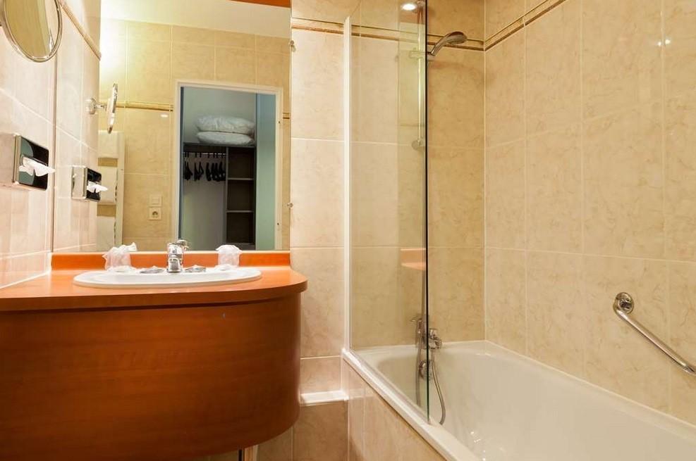 Id al pour vos r unions s minaires congr s entretiens - Restauration salle de bain ...