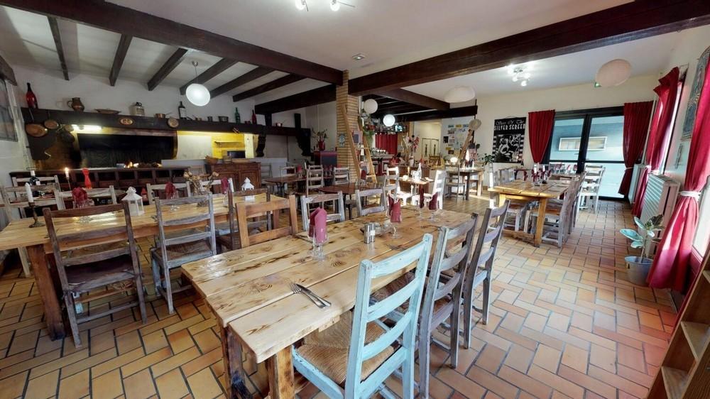 Friendly hostel - restaurant