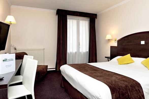 L'hotel Brit Cahors Francia - Camera