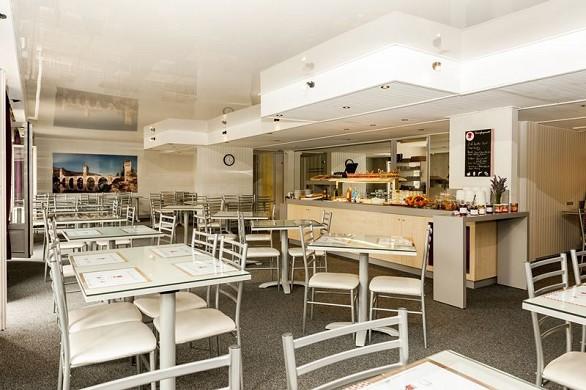 Brit hotel cahors le france - petit déjeuner