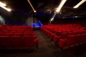 Teatro de la República de París - Gran salón con iluminación