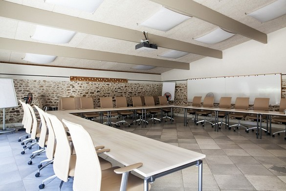 Châteauform 'the meadows of ecoublay - meeting room