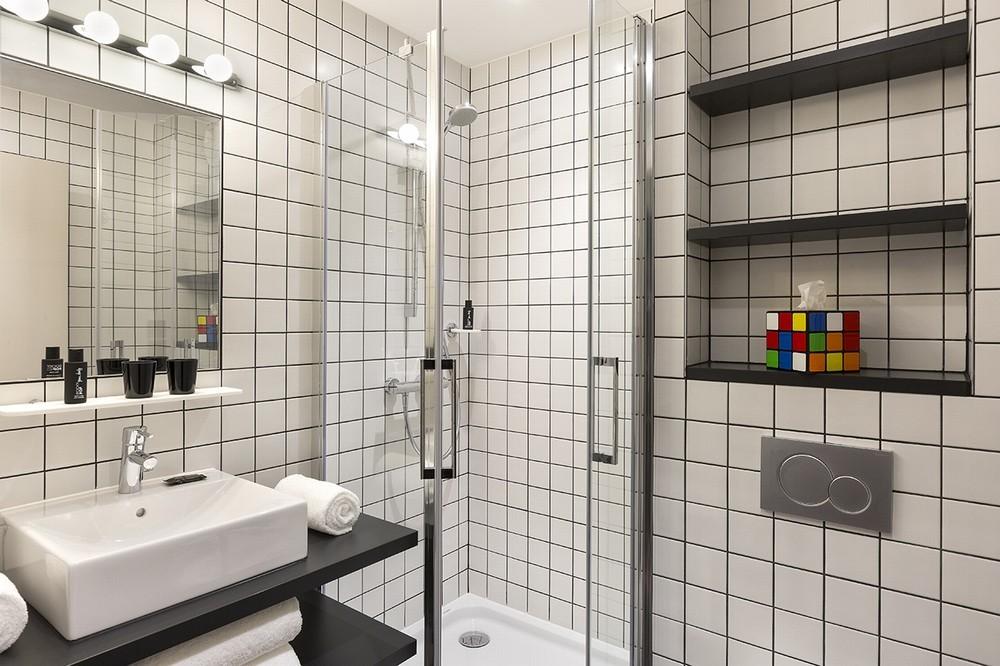 Rocky pop hotel - bathroom