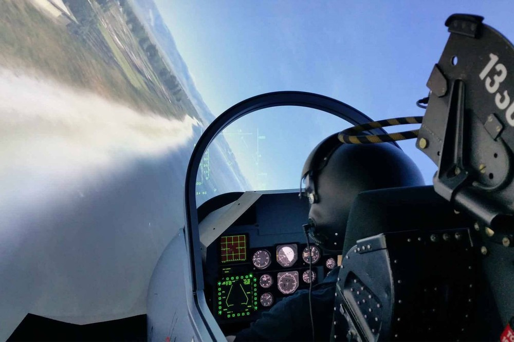Centre de simulation de pilotage d 39 avion for Interieur mirage 2000