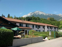 Kyriad Grenoble Sud Seyssins - Facade