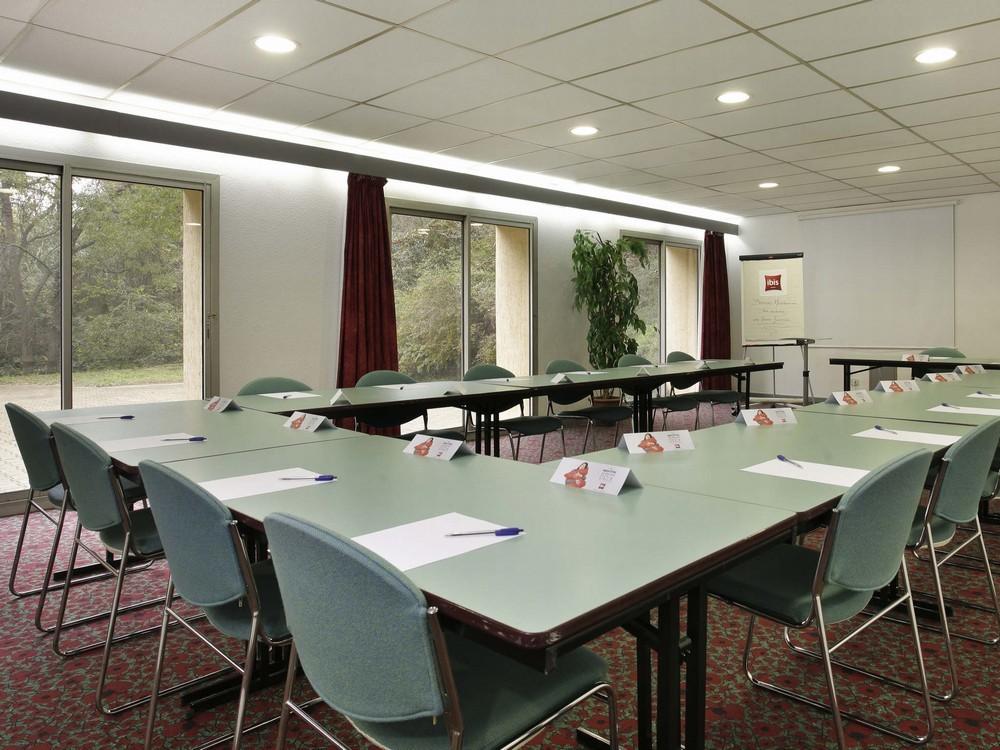 Ibis beziers est mediterranee salle s minaire beziers 34 for Reglementation capacite salle de reunion