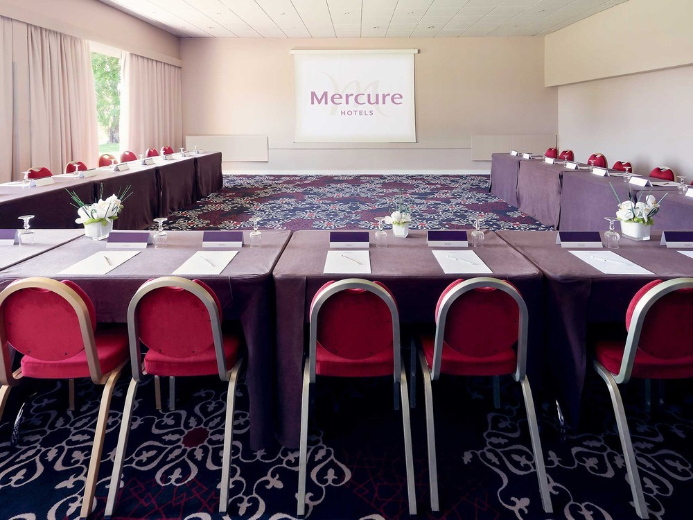 Mercure orange center - meeting room
