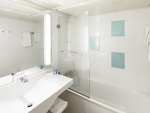 Novotel marne la vallee noisy le grand - bathroom