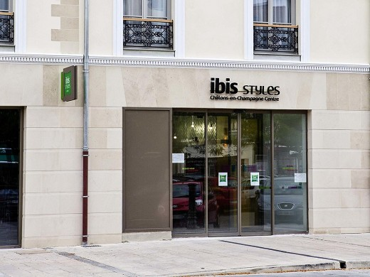 Ibis styles chalons en champagne centre - accueil