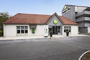 Campanile La Verrière - Fassade