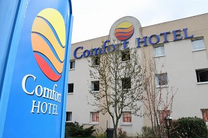Comfort Hotel Poissy Technoparc - Hotel with seminar room