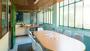 Una sala riunioni - Tra 2 Walls