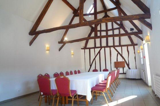 Pré marie de ons-en-bray - tavern hall