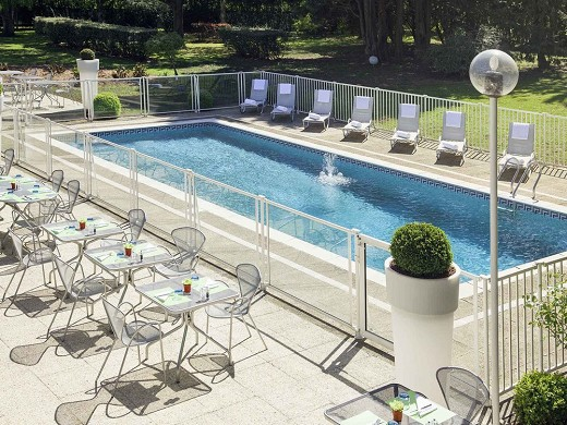 Novotel Poissy Orgeval - Outdoor Swimming Pool