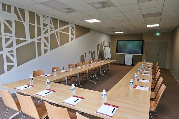 Der andere ab Werk ausgestattete Tagungsraum