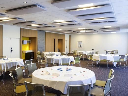 Novotel saint-quentin en yvelines - sala de recepción