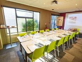 Campanile Bordeaux Est - Artigues - Sala de reuniones